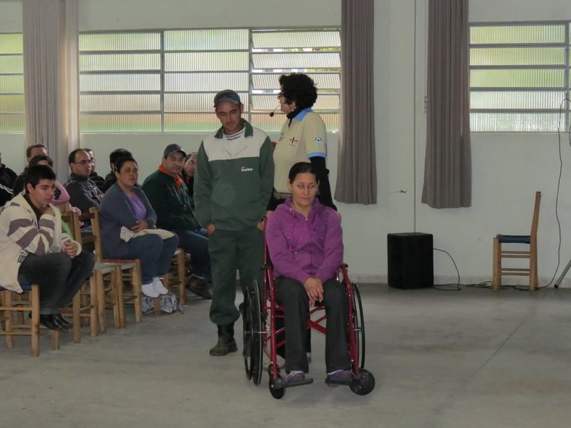 diferente-diversidade-inclusão-igualdade-direito-paraplégico